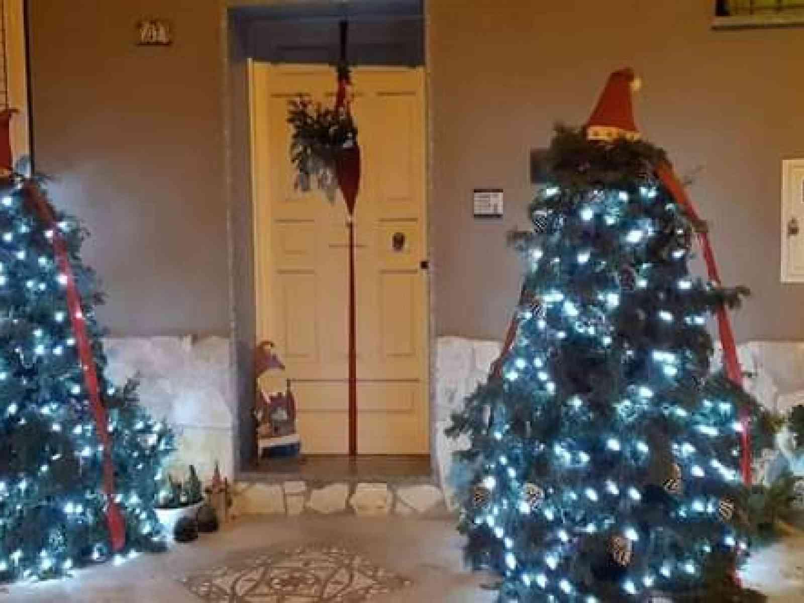 """Immagine articolo: """"Il Natale nei quartieri"""" a Santa Margherita. Le prime luci ed addobbi"""