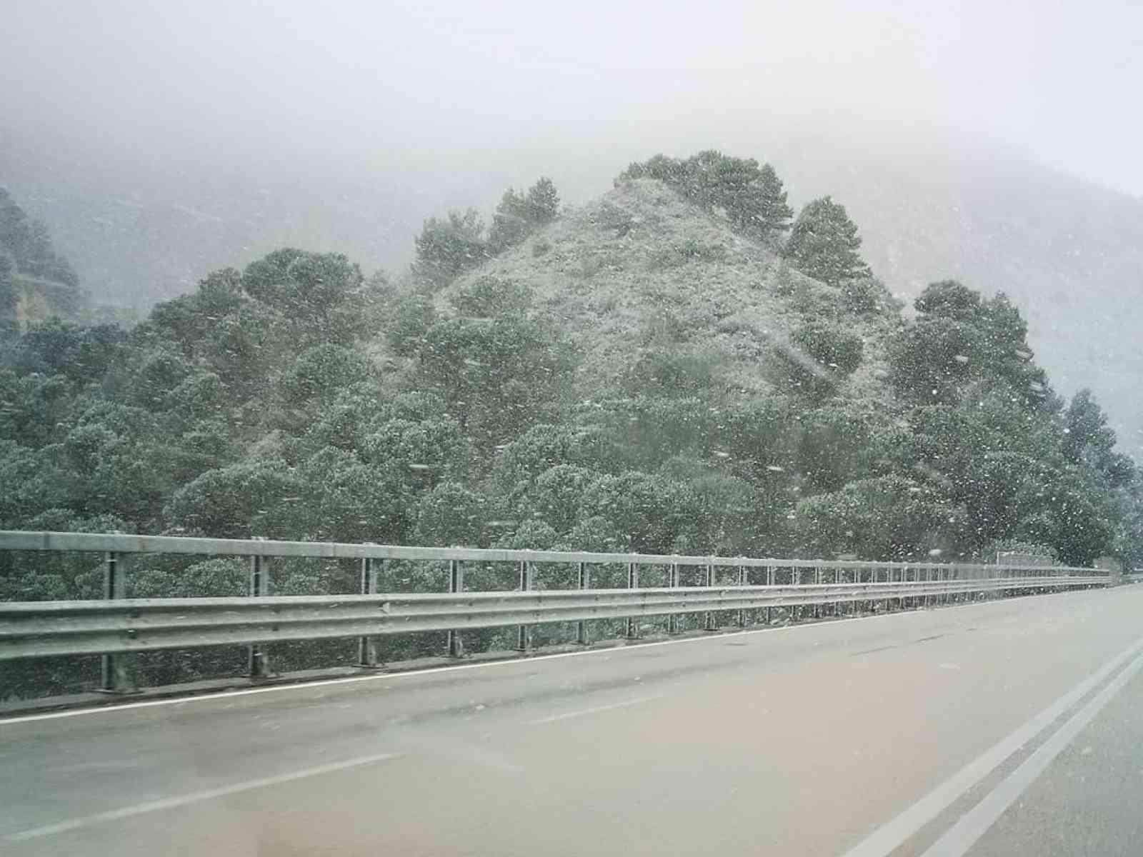 Immagine articolo: Temperature in calo e neve sulla Fondovalle, Palermo - Sciacca